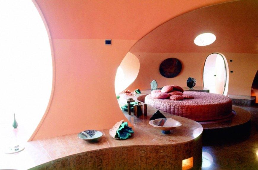 Пузырчатый Дом (Bubble House) Пьера Кардена, Канны, Франция