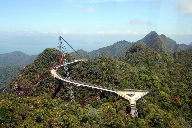 http://www.mirkrasiv.ru/images/articles/malaysia/langkawi-island/langkawi-sky-bridge/langkawi-sky-bridge-002.jpg