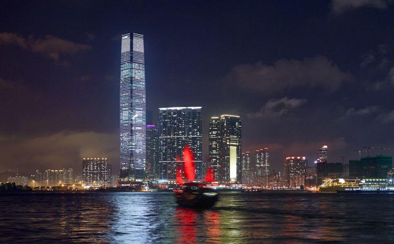 Международный коммерческий центр (International Commerce Centre) - небоскрёб