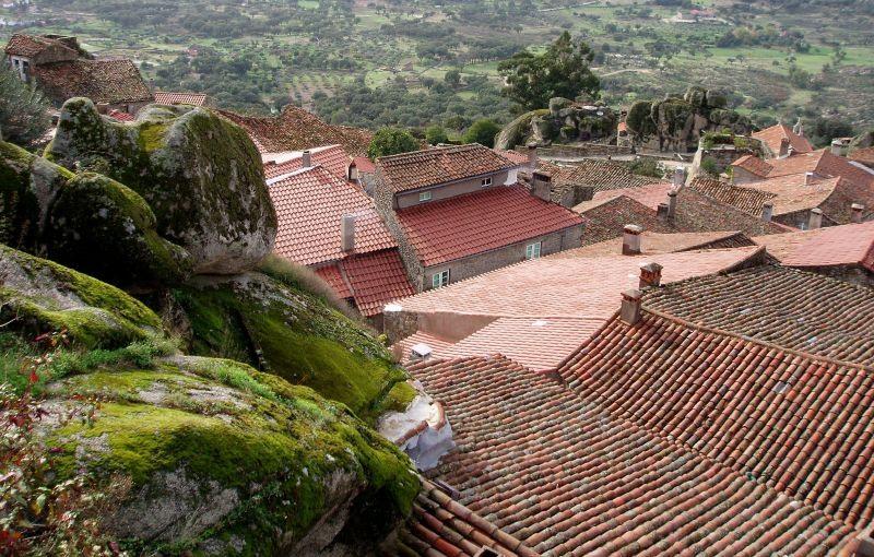 Деревня Монсанту (Monsanto), Португалия