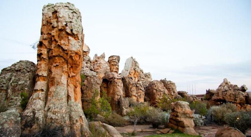 Кагга Камма (Kagga Kamma) - отельно-курортный комплекс в скале, Церес, ЮАР