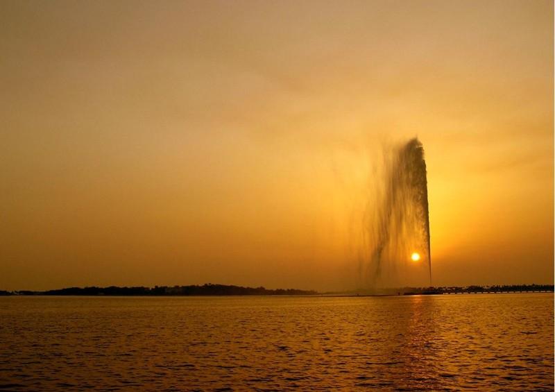Фонтан короля Фахда, Джидда (King Fahd's Fountain), самый высокий фонтан мира, Саудовская Аравия
