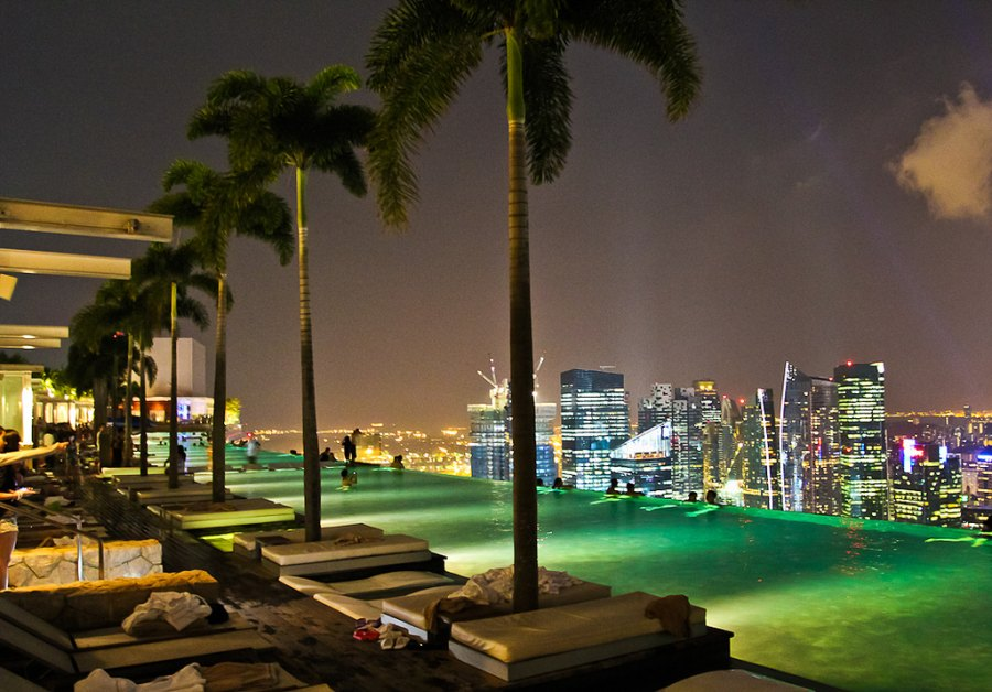 http://www.mirkrasiv.ru/images/articles/singapore/pool-singapore/pool-singapore-001.jpg