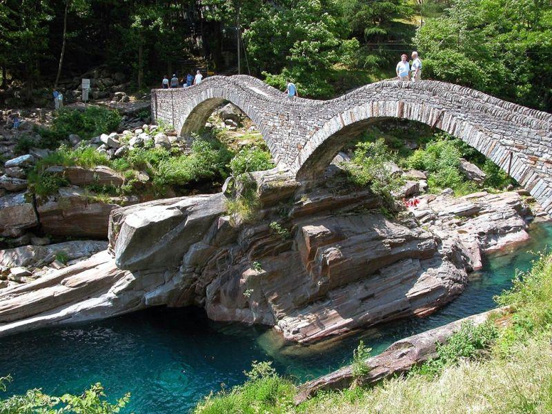 Римский мост на реке Верзаска, Швейцария