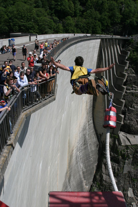 Дамба Верзаска, Швейцария