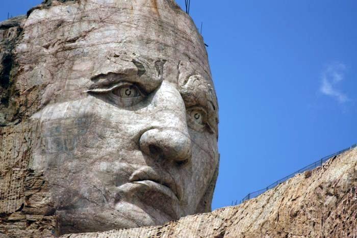Мемориал Неистового Коня (Crazy Horse Memorial) в США