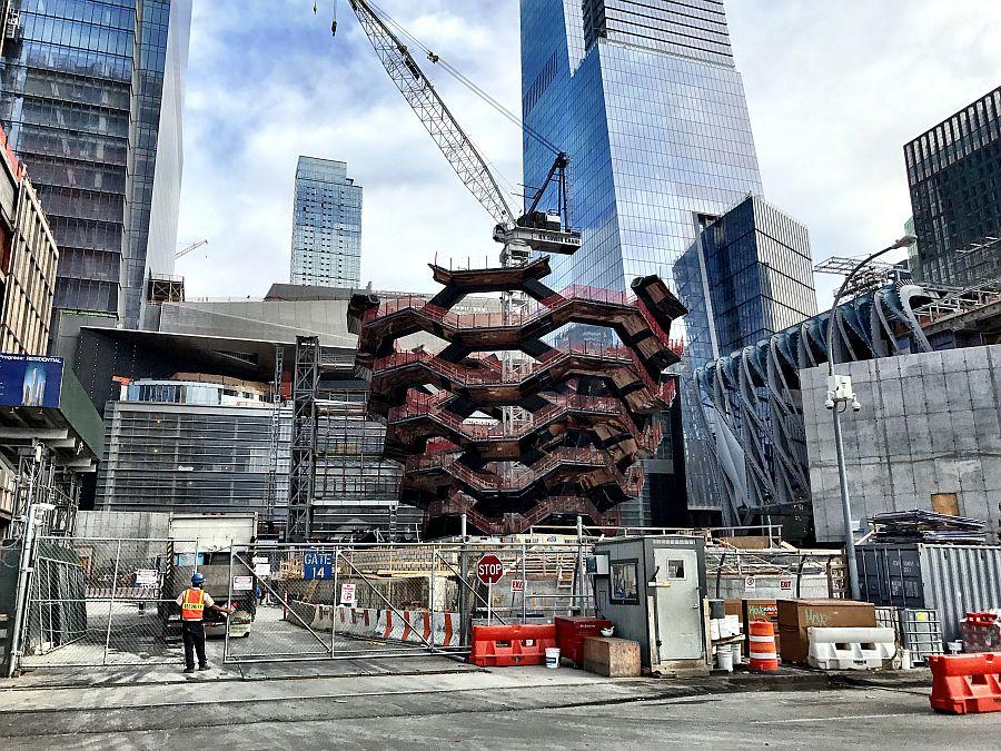 Бесконечная лестница-сосуд «Vessel» — новая достопримечательность Нью-Йорка, США