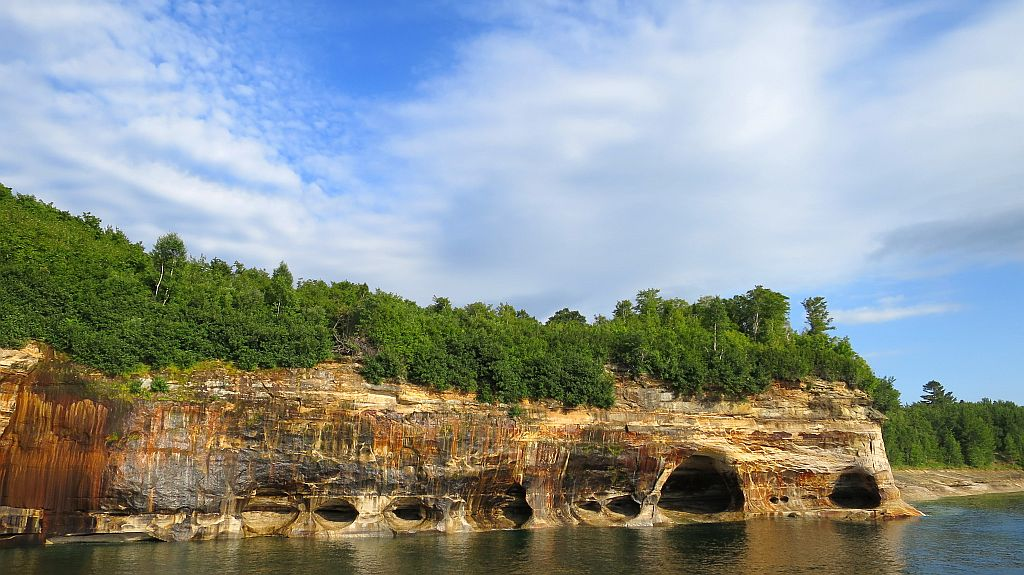 Пикчед Рокс Нешнел Лейкшор (Pictured Rocks National Lakeshore), штат Мичиган, США