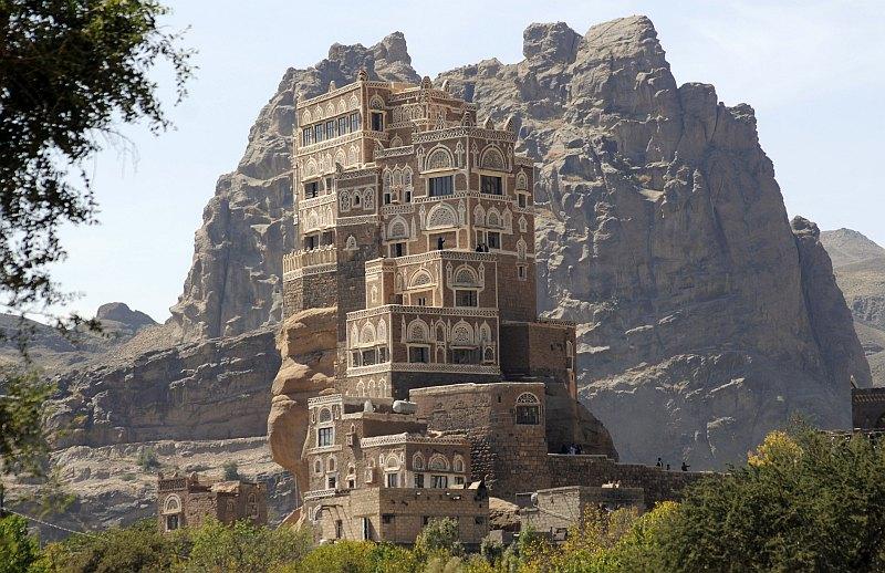http://www.mirkrasiv.ru/images/articles/yemen/souk-al-wadi/dar-al-hajar/dar-al-hajar-014.jpg